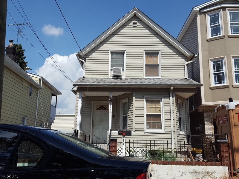 Additional photo for property listing at 209 Atlantic Street  Elizabeth, Нью-Джерси 07206 Соединенные Штаты