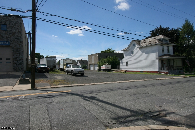 Additional photo for property listing at 474 Center Street  Phillipsburg, New Jersey 08865 États-Unis