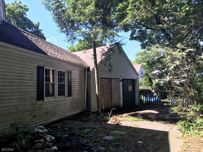 Additional photo for property listing at 34 Decker Road  Haskell, Nueva Jersey 07420 Estados Unidos