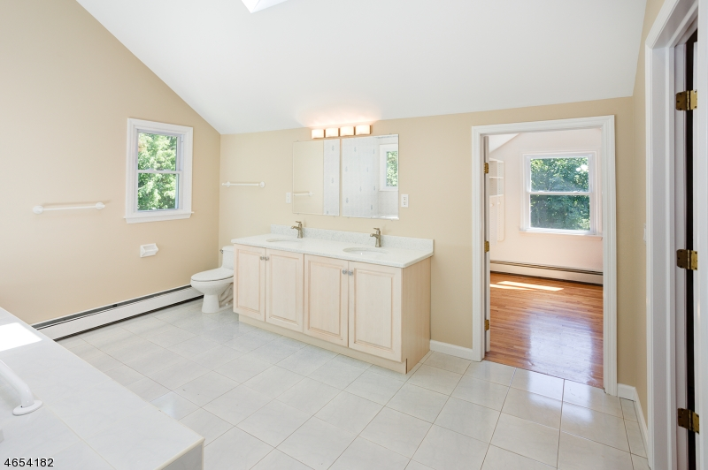 Additional photo for property listing at 10 LASH PLACE  Denville, Nueva Jersey 07834 Estados Unidos