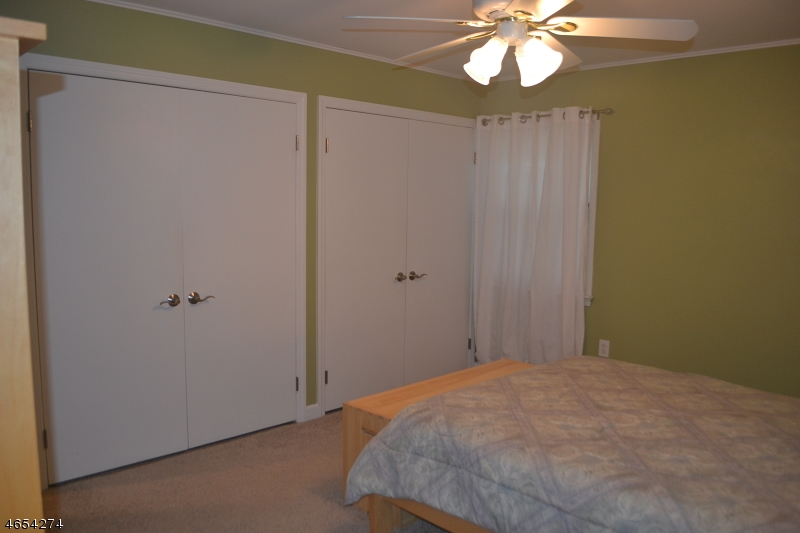 Additional photo for property listing at 69 Brookside Ter  Caldwell, New Jersey 07006 États-Unis