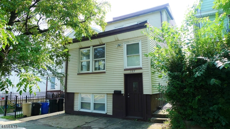 Additional photo for property listing at 109 Maple Avenue  Montclair, Nueva Jersey 07042 Estados Unidos