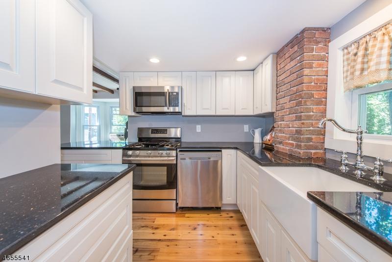 Maison unifamiliale pour l Vente à 21 Fletcher Place Mount Tabor, New Jersey 07878 États-Unis