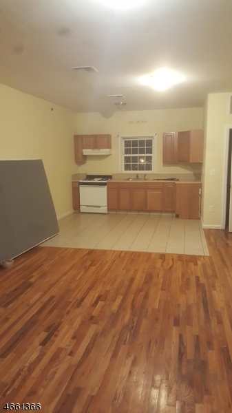 Additional photo for property listing at 210-214 TRUMBULL Street  Elizabeth, Nueva Jersey 07206 Estados Unidos