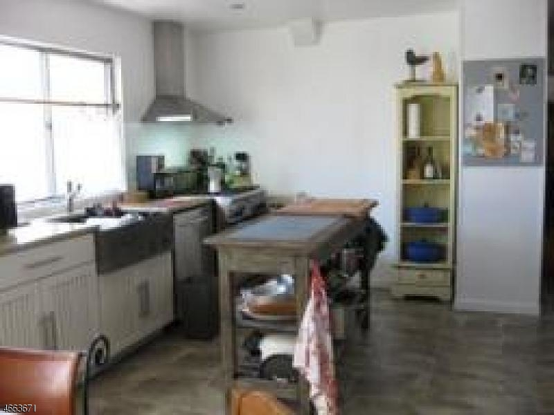 Additional photo for property listing at 37 Glenfield Road  布鲁姆菲尔德, 新泽西州 07003 美国