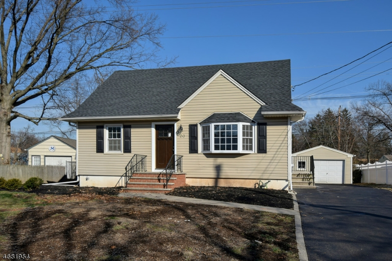 Single Family Home for Sale at 20 Mary Lane Fanwood, New Jersey 07023 United States