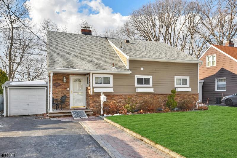 独户住宅 为 销售 在 201 Jay Street Wood Ridge, 新泽西州 07075 美国
