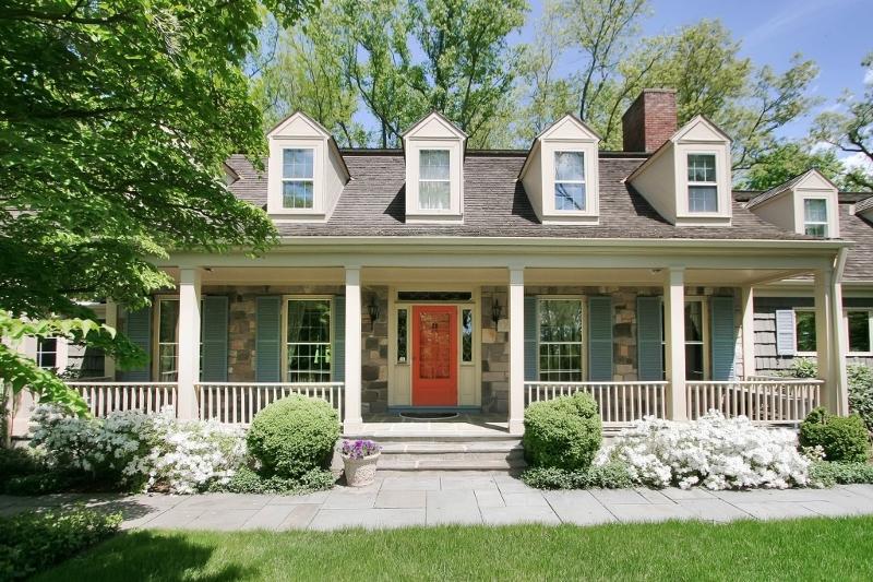 Частный односемейный дом для того Продажа на 60 Overleigh Road Bernardsville, 07924 Соединенные Штаты