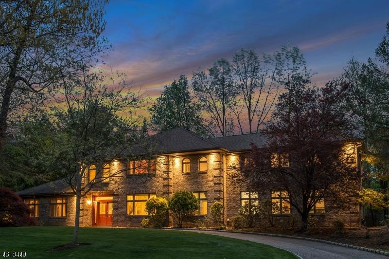 Частный односемейный дом для того Продажа на 5 Parker Place Old Tappan, 07675 Соединенные Штаты