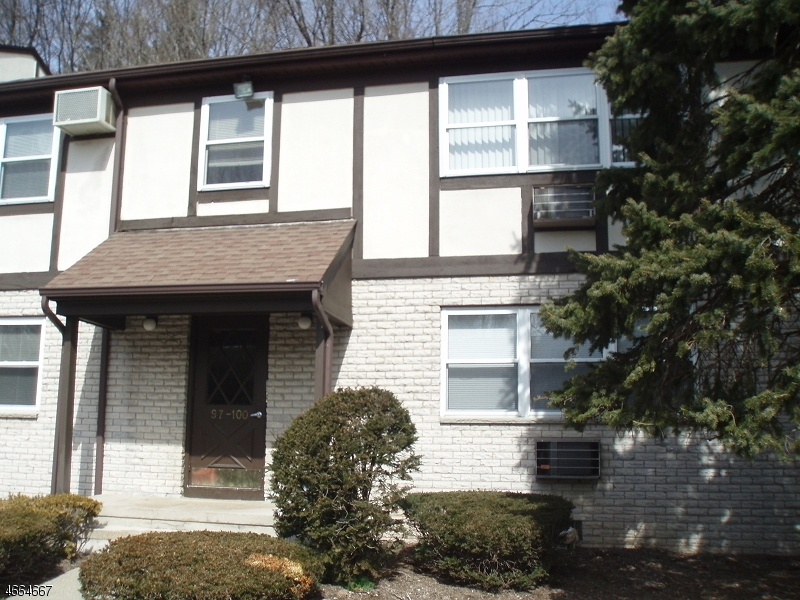 Single Family Home for Rent at 100 Treetop Court Bloomingdale, New Jersey 07403 United States