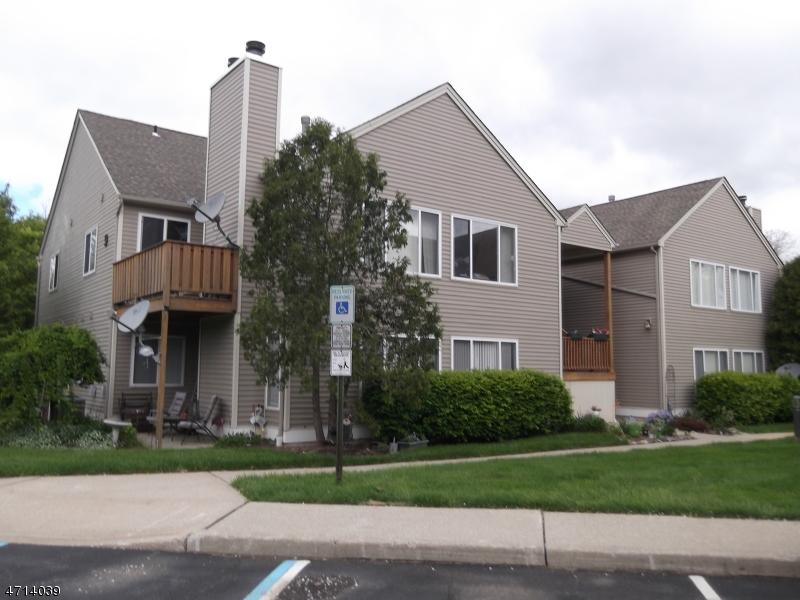 Частный односемейный дом для того Аренда на 98 Falcon Drive Hamburg, Нью-Джерси 07419 Соединенные Штаты