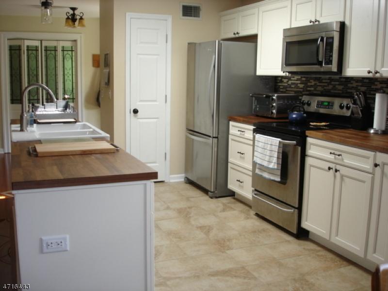 Частный односемейный дом для того Продажа на 210 Main Street Ogdensburg, Нью-Джерси 07439 Соединенные Штаты