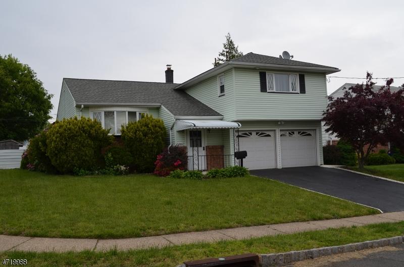 Casa Unifamiliar por un Alquiler en 2285 Balmoral Avenue Union, Nueva Jersey 07083 Estados Unidos