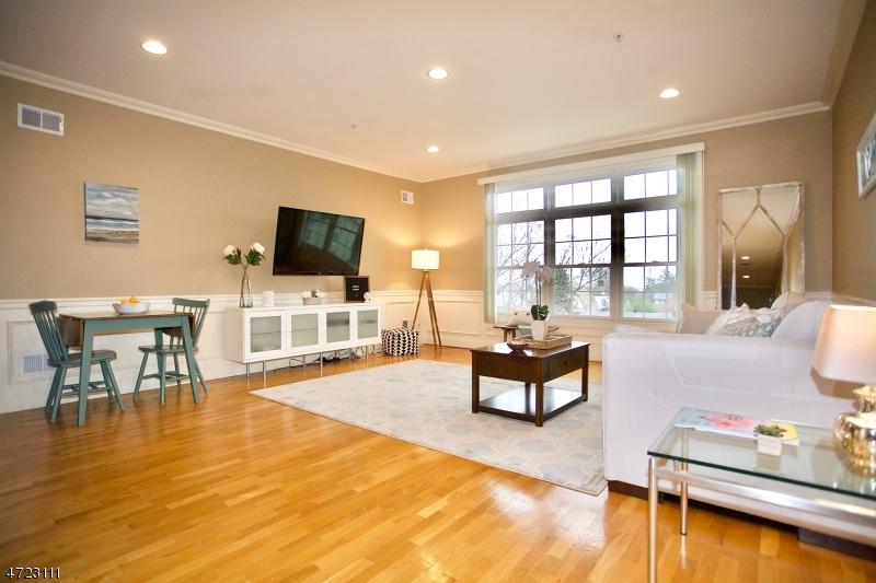 Частный односемейный дом для того Аренда на 1677 Springfield Ave, 13 Maplewood, Нью-Джерси 07040 Соединенные Штаты