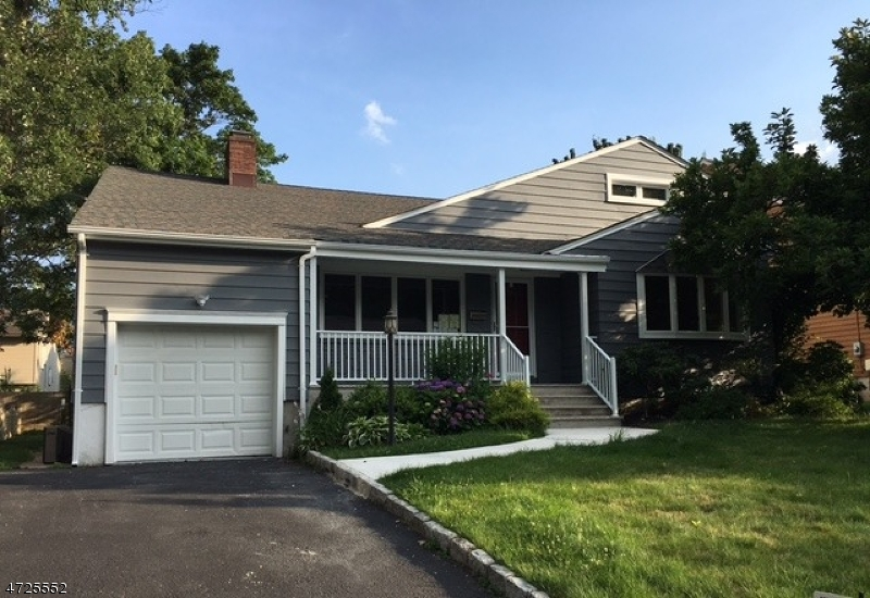 Single Family Home for Rent at 25 Nomahegan Court Cranford, New Jersey 07016 United States