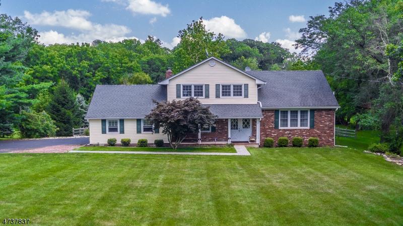 Nhà ở một gia đình vì Bán tại 1950 Holland Brook Rd W Branchburg, New Jersey 08876 Hoa Kỳ