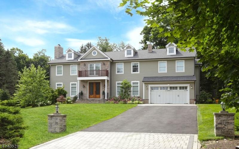 Частный односемейный дом для того Продажа на 22A AKERS Avenue Montvale, Нью-Джерси 07645 Соединенные Штаты
