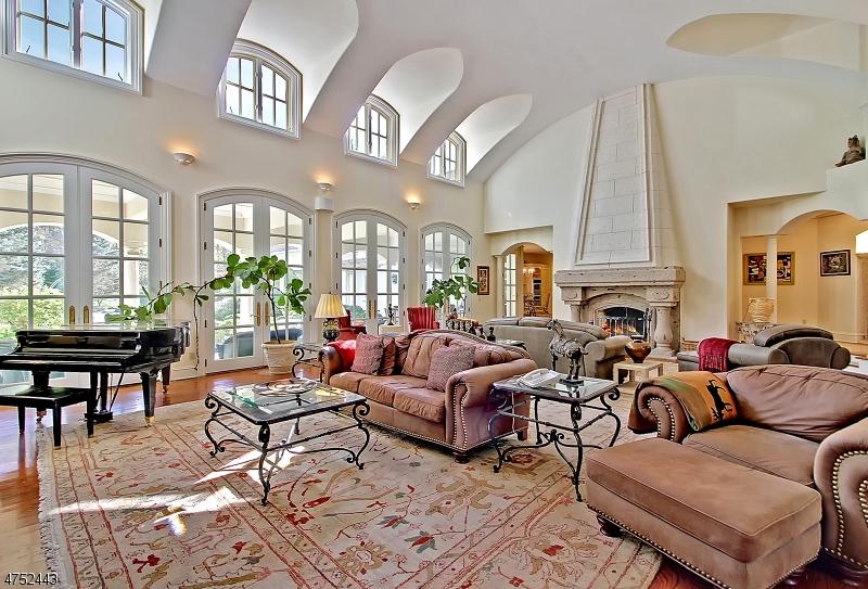 Einfamilienhaus für Verkauf beim 21 Stoningham Drive 21 Stoningham Drive Warren, New Jersey 07059 Vereinigte Staaten