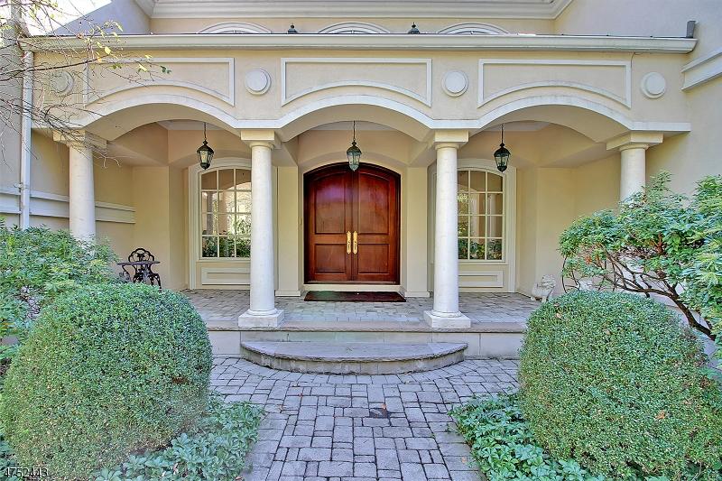 Maison unifamiliale pour l Vente à 21 Stoningham Drive Warren, New Jersey 07059 États-Unis