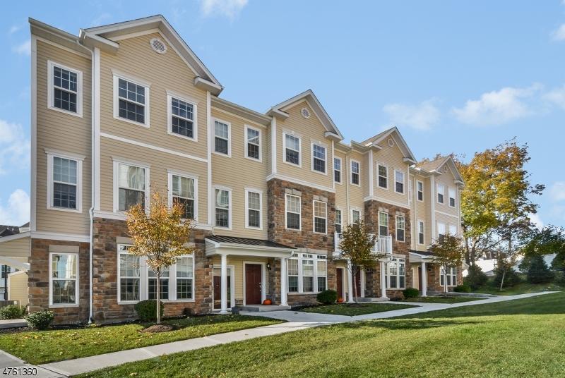 Частный односемейный дом для того Продажа на 8 Iris Lane Garfield, Нью-Джерси 07026 Соединенные Штаты