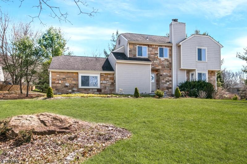 Частный односемейный дом для того Продажа на 46 Knob Hill Road Washington, Нью-Джерси 07853 Соединенные Штаты