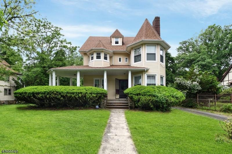 独户住宅 为 销售 在 223 Midland Avenue East Orange, 新泽西州 07017 美国