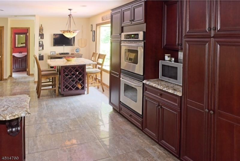 Μονοκατοικία για την Πώληση στο 31 BOUNTIFUL Drive Allamuchy, Νιου Τζερσεϋ 07840 Ηνωμενεσ Πολιτειεσ