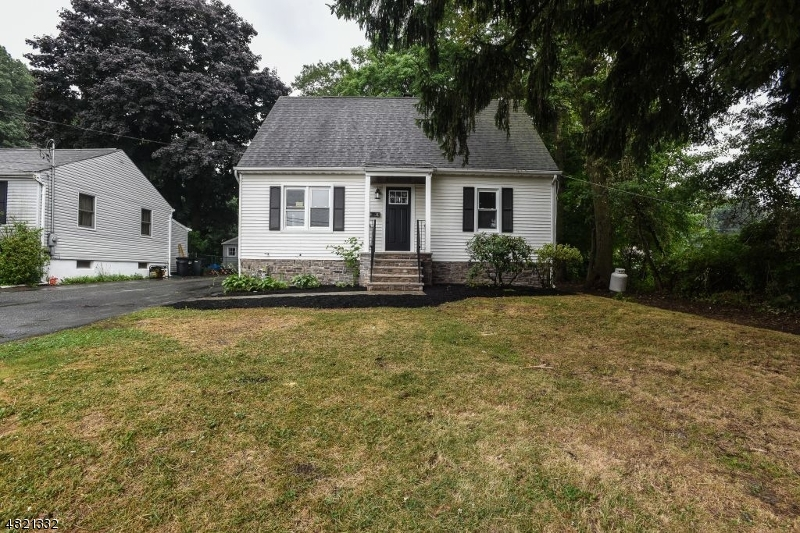Single Family Home for Sale at 10 HELEN WAY Netcong, New Jersey 07857 United States