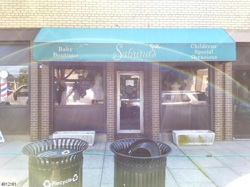 Commercial pour l à louer à 109 Summit Avenue Summit, New Jersey 07901 États-Unis
