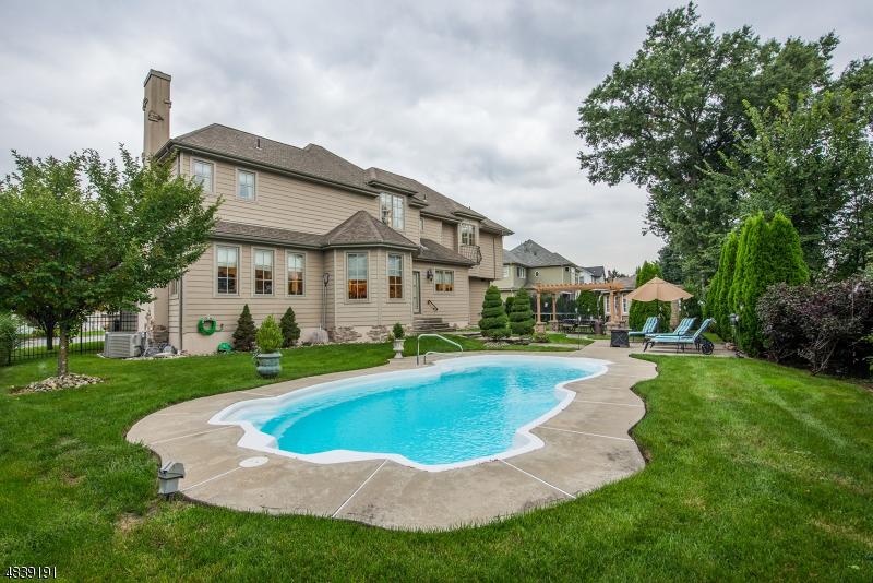 Additional photo for property listing at 6 VICTORIAN Lane  Fairfield, New Jersey 07004 Amerika Birleşik Devletleri