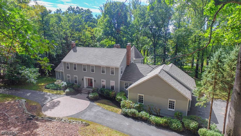 Single Family Home for Sale at 6 CROSS WAY 6 CROSS WAY Mendham, New Jersey 07945 United States