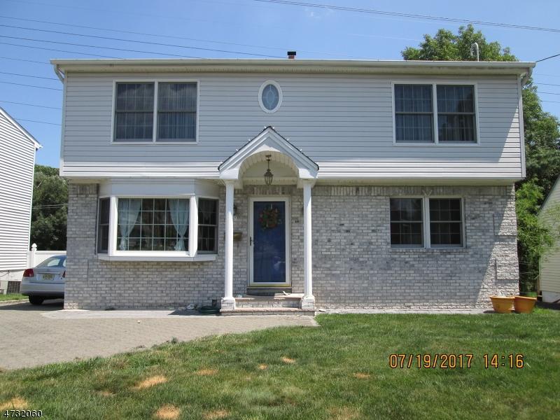 Maison unifamiliale pour l Vente à 89 BRYANT Avenue Bloomfield, New Jersey 07003 États-Unis