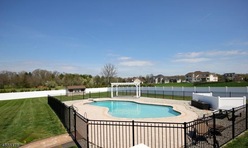 Casa Unifamiliar por un Venta en Hillsborough, Nueva Jersey 08844 Estados Unidos