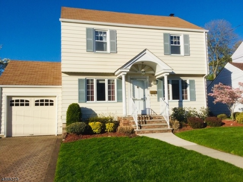 Single Family Home for Sale at 22 LARKSPUR LN Clifton, New Jersey 07013 United States