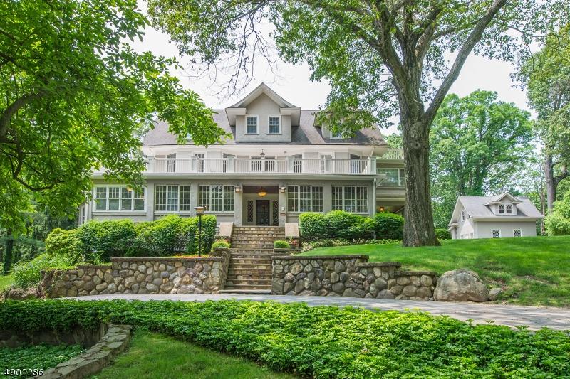 Single Family Homes pour l Vente à Mountain Lakes, New Jersey 07046 États-Unis
