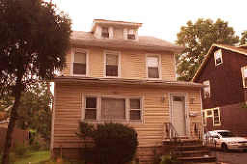 Additional photo for property listing at 654 E 3rd Avenue  Roselle, New Jersey 07203 États-Unis