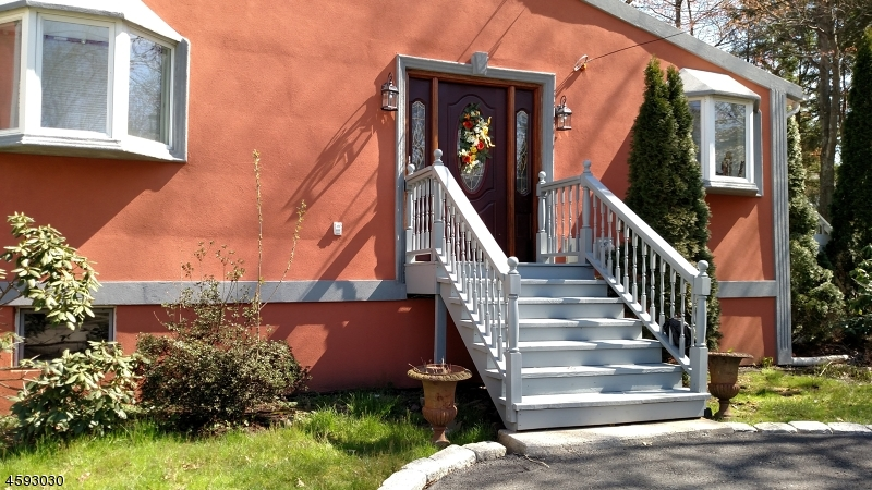 Additional photo for property listing at 137 Greene Place  Westfield, New Jersey 07090 États-Unis