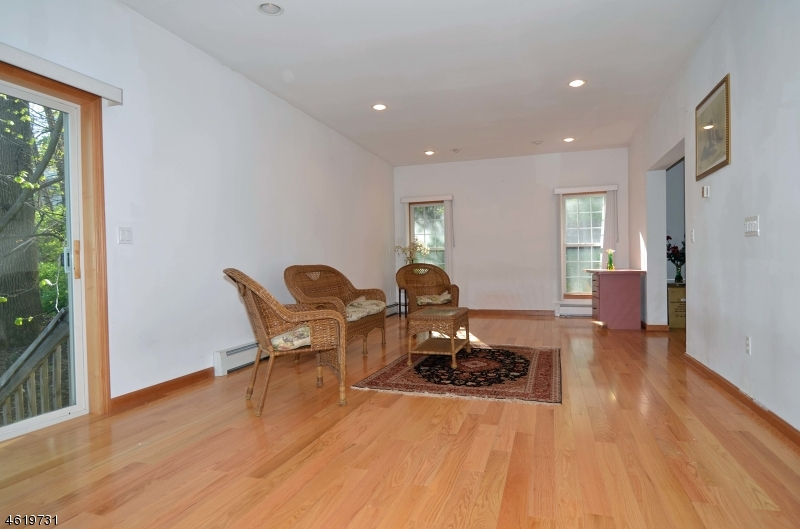 Additional photo for property listing at 2 Rea Ave EXT  Hawthorne, New Jersey 07506 États-Unis