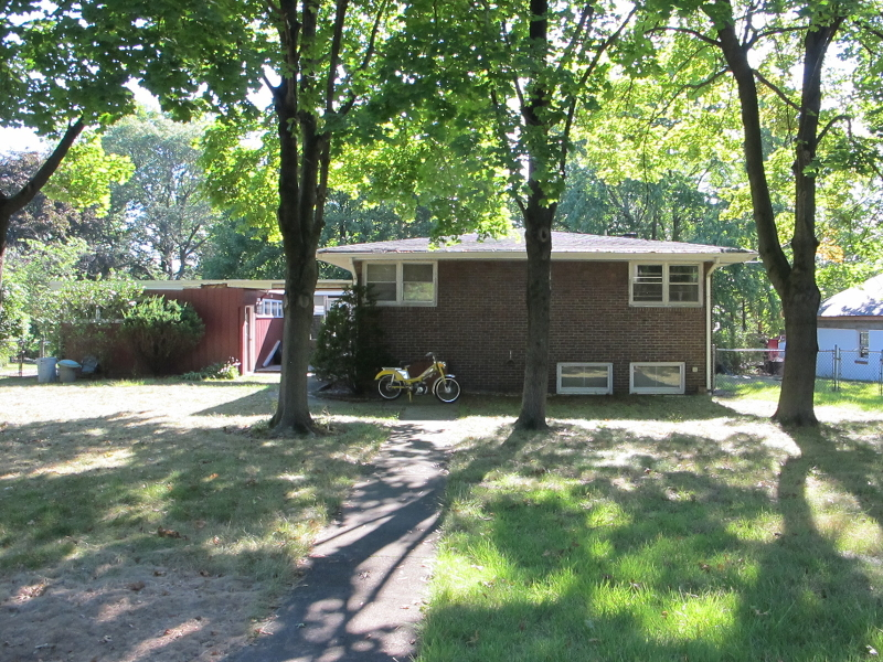 Additional photo for property listing at 219 Valley Road  Wayne, Нью-Джерси 07470 Соединенные Штаты