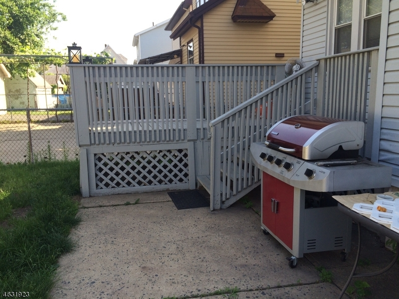 Additional photo for property listing at 309-311 North 11th Street  Newark, New Jersey 07107 United States