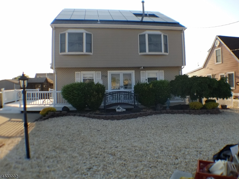 Single Family Home for Sale at 408 Bayview Avenue Bayville, 08721 United States