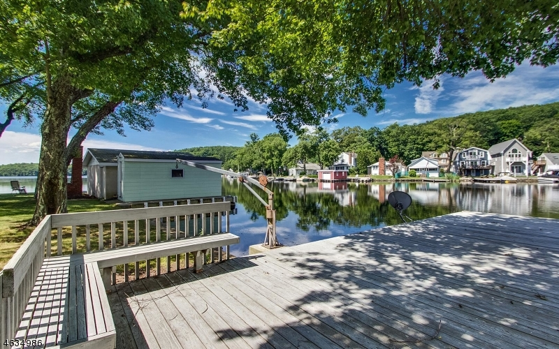 Additional photo for property listing at 29 MOHAWK Trail  Lake Hopatcong, Нью-Джерси 07849 Соединенные Штаты