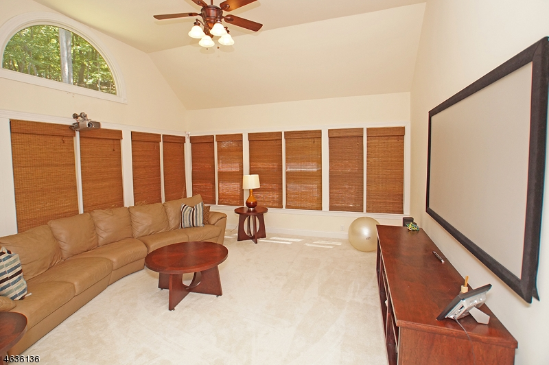 Additional photo for property listing at 17 Liberty Trail  牛顿, 新泽西州 07860 美国
