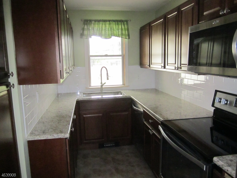 Additional photo for property listing at Address Not Available  Clinton, Nueva Jersey 08809 Estados Unidos