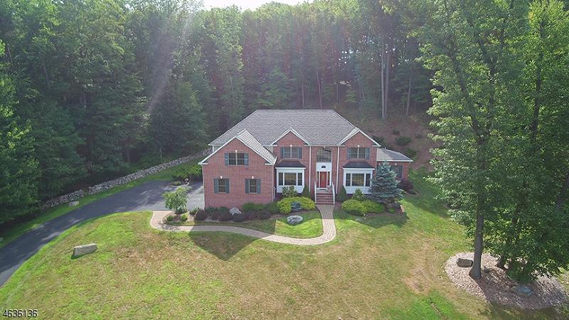 独户住宅 为 销售 在 17 Liberty Trail 牛顿, 新泽西州 07860 美国