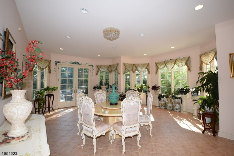 Additional photo for property listing at 18 Quail Run  Warren, Nueva Jersey 07059 Estados Unidos
