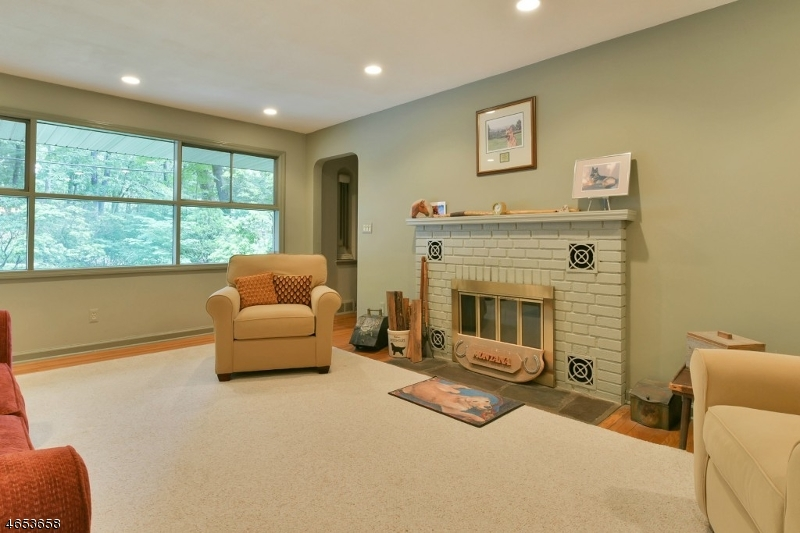 Additional photo for property listing at 39 Rose Avenue  Woodcliff Lake, Nueva Jersey 07677 Estados Unidos