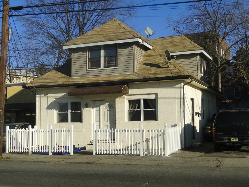 Additional photo for property listing at 332 Midland Avenue  Garfield, Nueva Jersey 07026 Estados Unidos