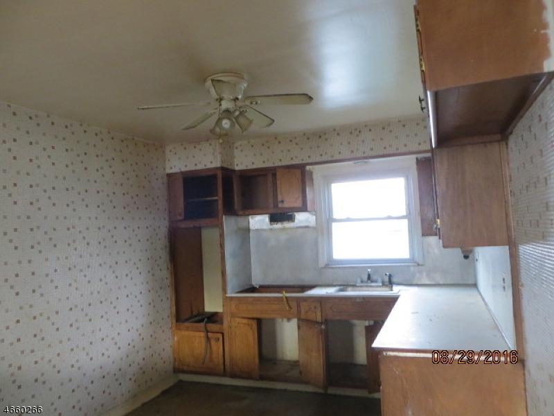 Additional photo for property listing at 223 19th Avenue  Irvington, Нью-Джерси 07111 Соединенные Штаты