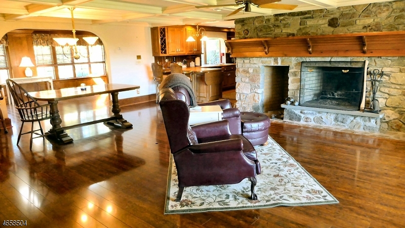Additional photo for property listing at 31 Four Corners Road  Blairstown, Нью-Джерси 07825 Соединенные Штаты